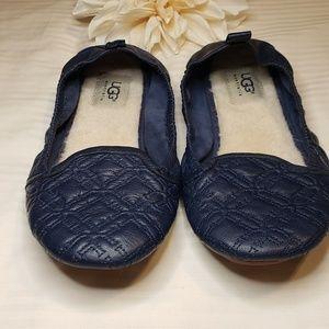 UGG Shoes - UGG > Isabella Ballet Foldable Flats Size 8